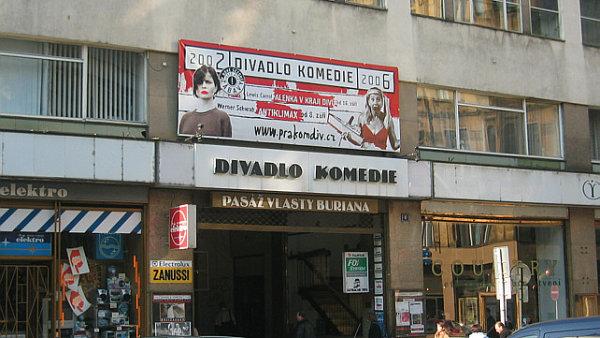 V budově Divadla Komedie (na archivním snímku) nedávno skončila společnost Divadlo Company.cz.
