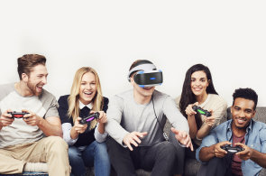 Prvn� dojmy z PlayStation VR: Rozumn� cena a nab�dka her ud�laj� z PSVR hit leto�n�ch V�noc