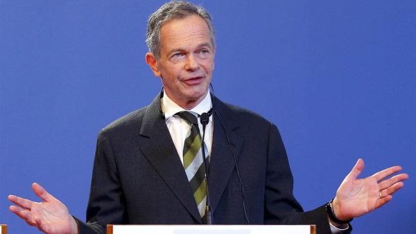 Andreas Treichl odmítá daň pro banky, kterou chce v Česku zavést ČSSD.