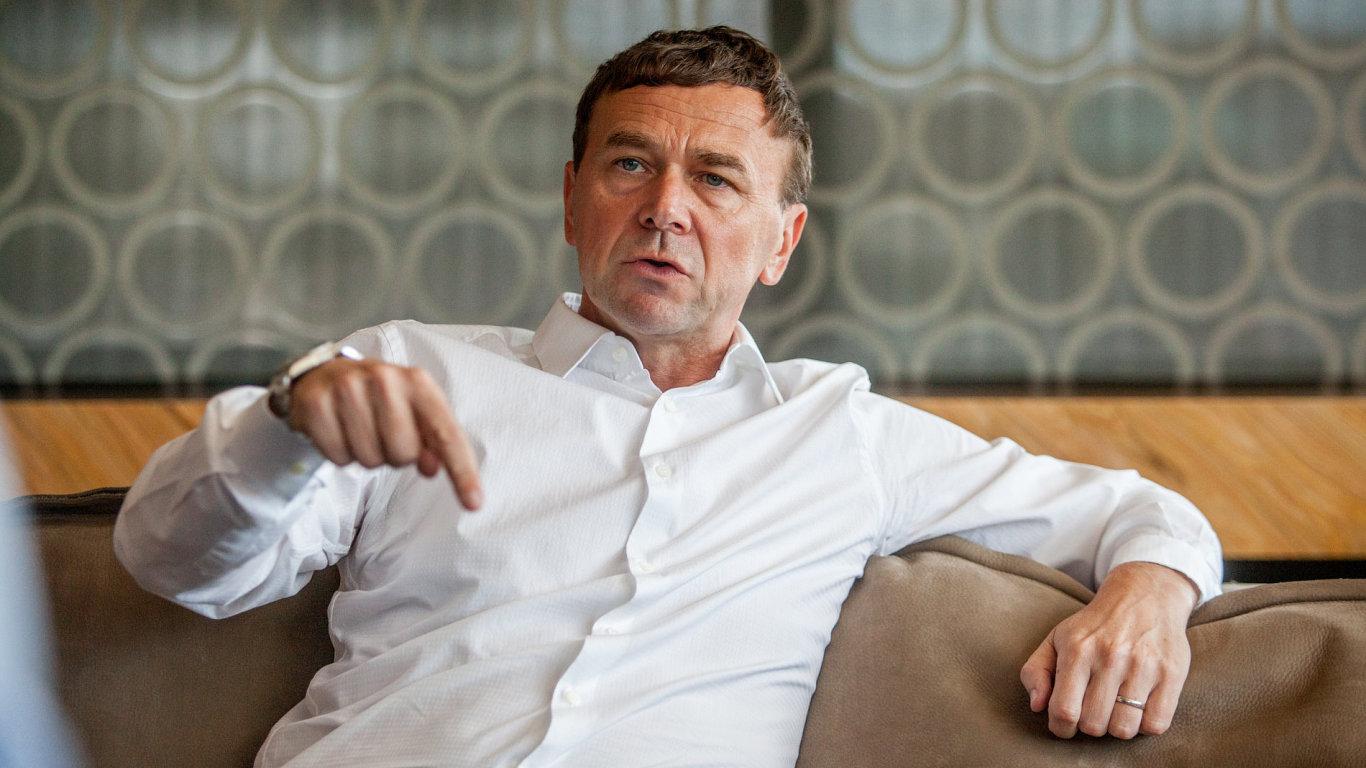 Pavel Tykač, finančník.