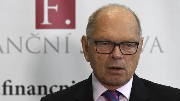 Pilný hájil rozpočet například navýšením podílu obcí na vybrané dani z přidané hodnoty o 8,5 miliardy korun.