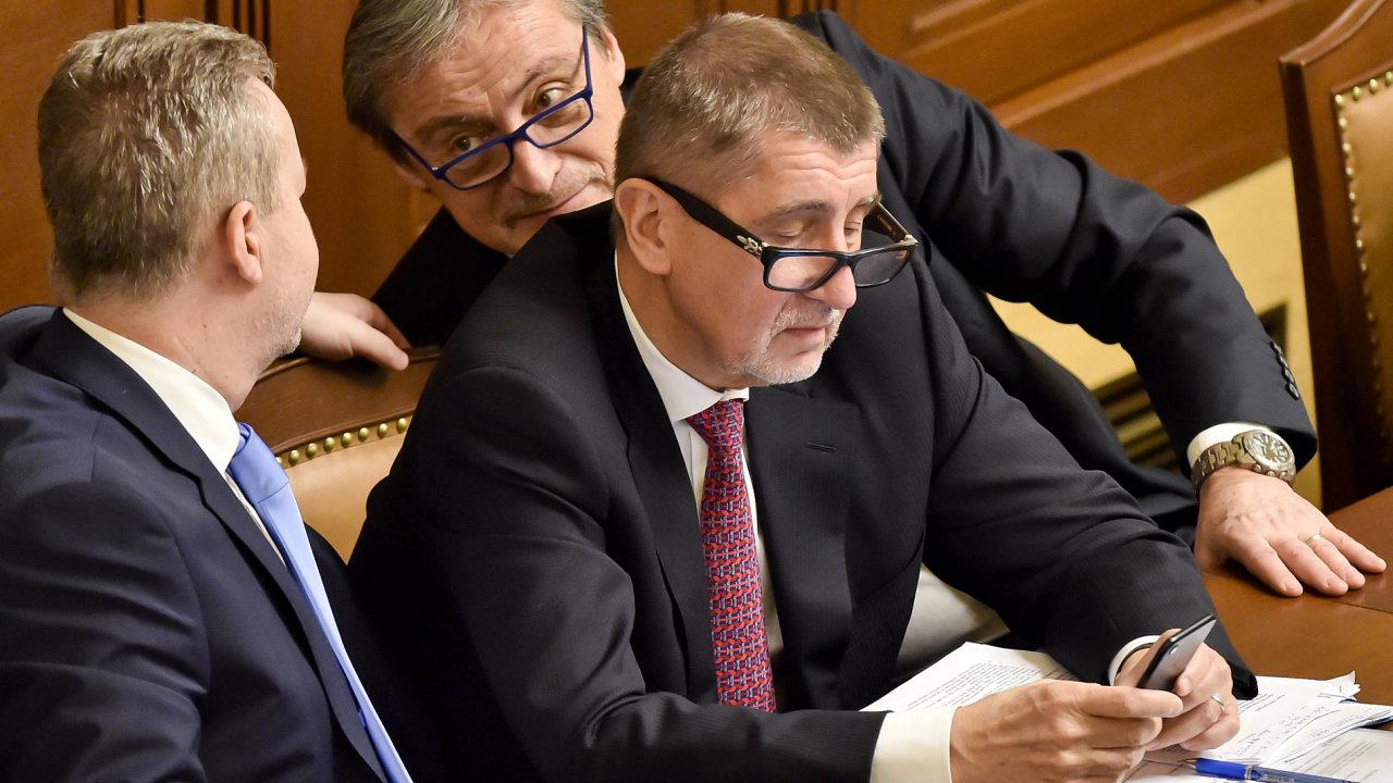 Andrej Babiš na jednání Sněmovny, která nakonec nerozhodla o důvěře či nedůvěře pro jeho vládu.