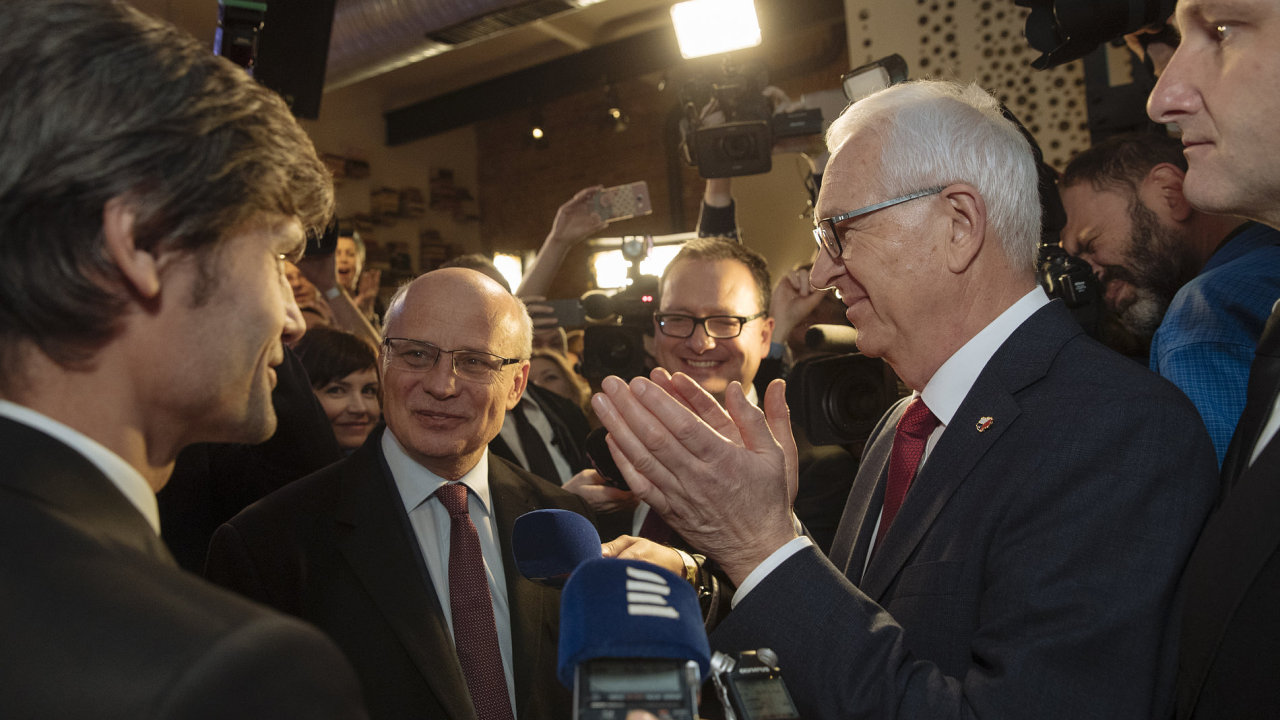 Jiří Drahoš s protikandidáty.