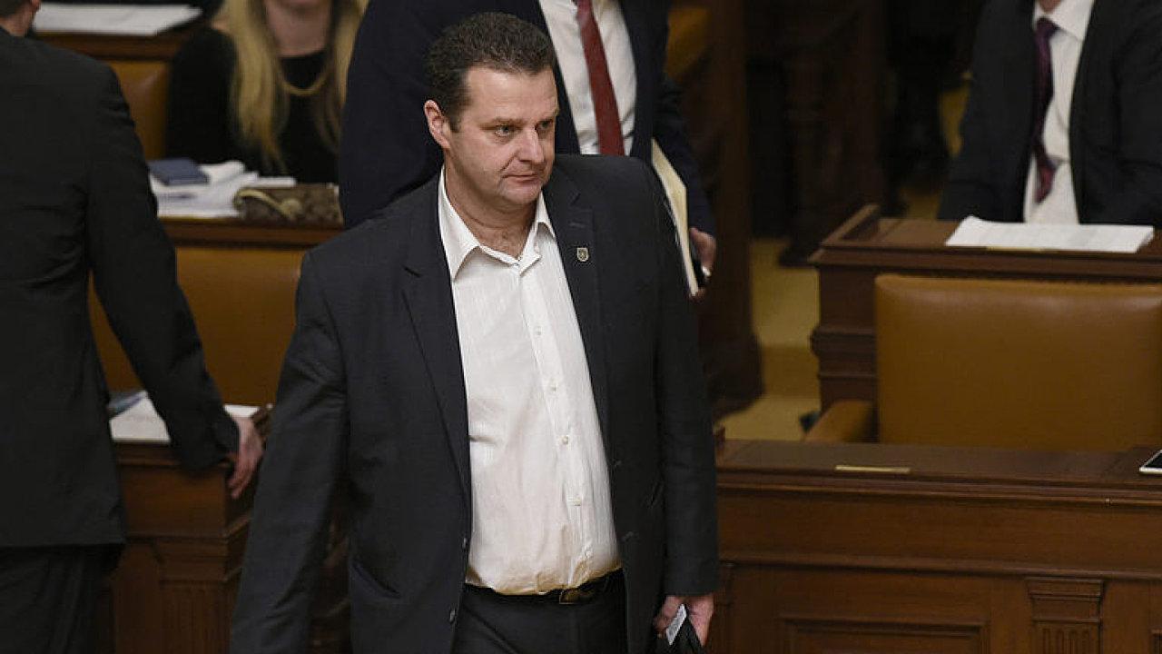 ŽIVĚ: Sněmovna řeší zvolení Zdeňka Ondráčka do čela komise pro kontrolu GIBS. Bude nakonec odvolán?