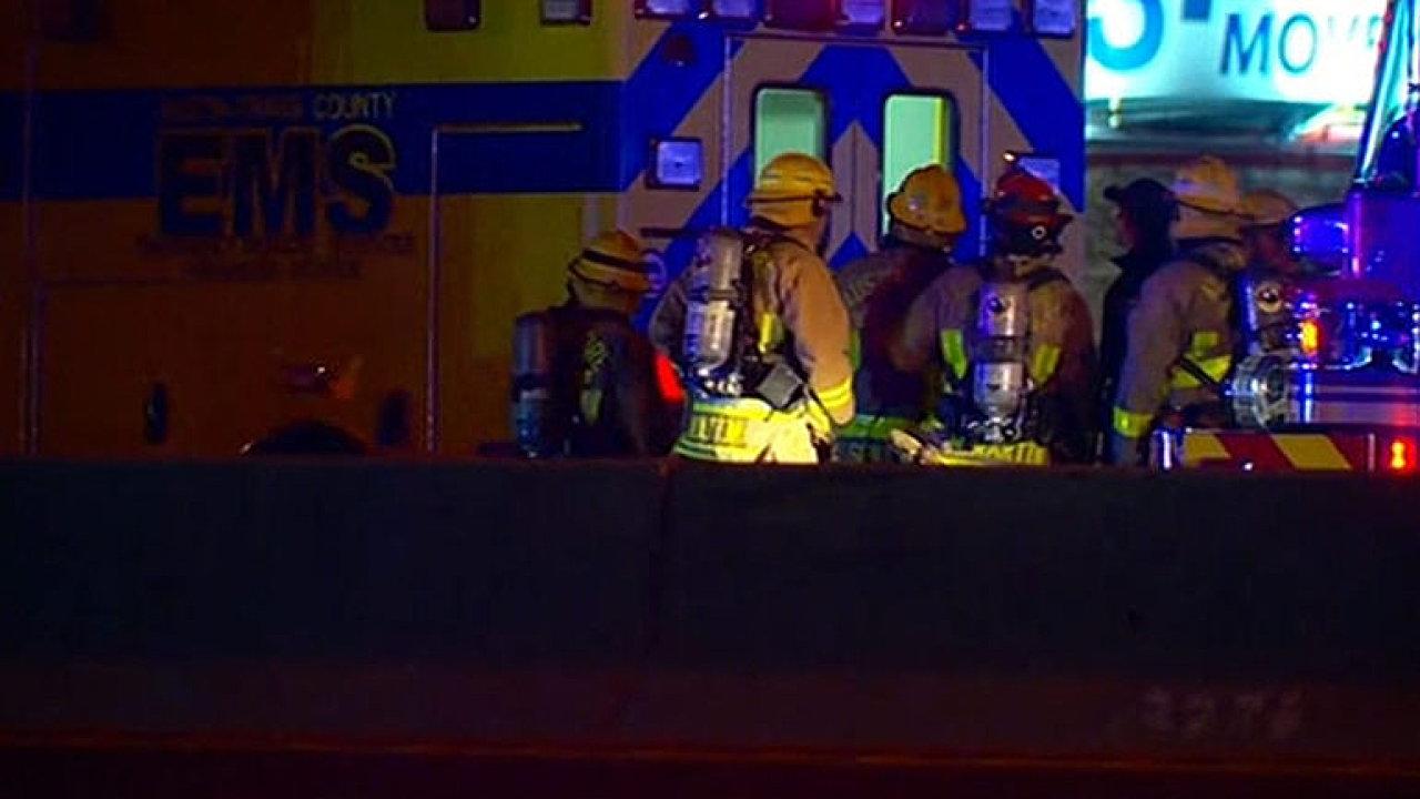 Šéf policie v Austinu: Nestačili jsme zasáhnout, podezřelý nechal uvnitř auta vybuchnout bombu