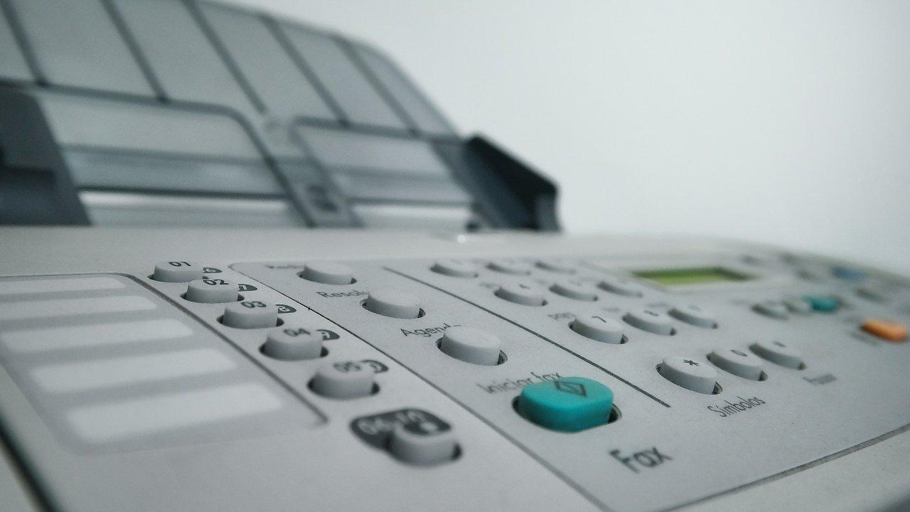 Kopírka, tiskárna, fax, ilustrace