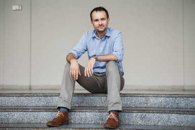 S kolegy musí člověk vycházet bez ohledu na to, jestli mu jsou sympatičtí nebo ne, upozorňuje psycholog a publicista Dalibor Špok.