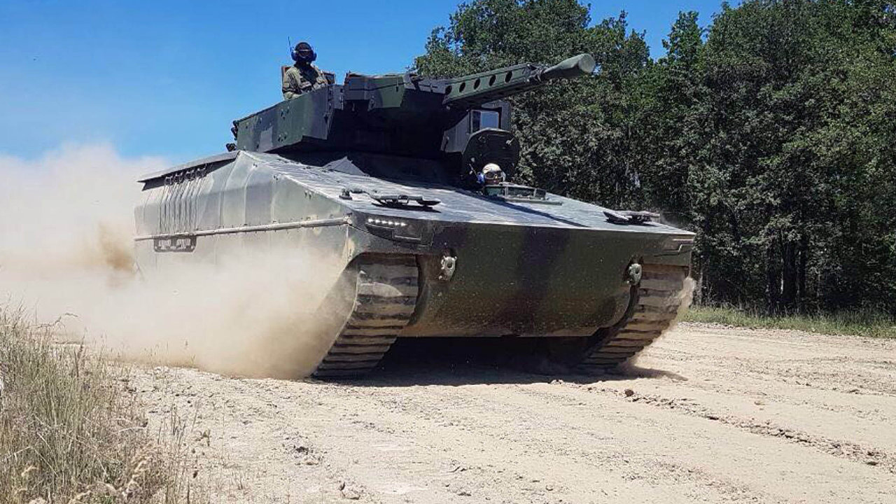 Stroj Lynx, se kterým se očeskou zakázku uchází společnost Rheinmetall.