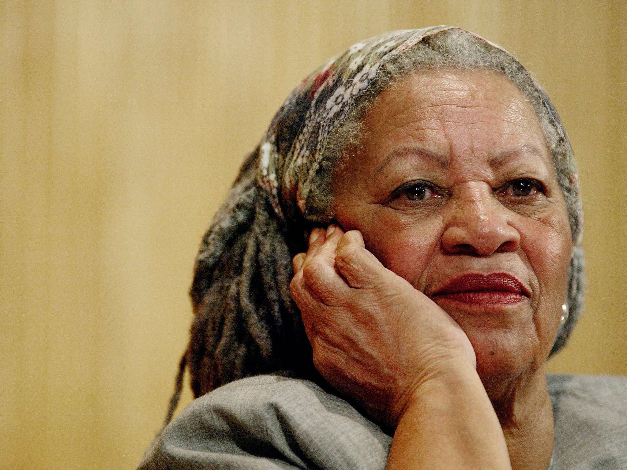 Vevěku 88 let zemřela americká spisovatelka Toni Morrisonová, držitelka Nobelovy ceny zaliteraturu zarok 1993.