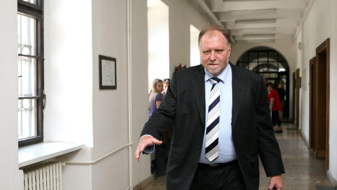 Advokát Tomáš Sokol