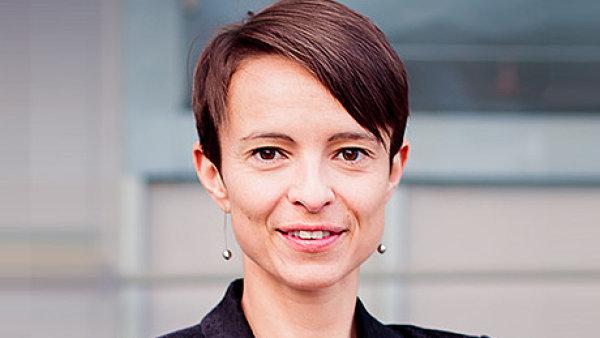 Veronika Vaněčková, Associate v advokátní kanceláři Squire Patton Boggs