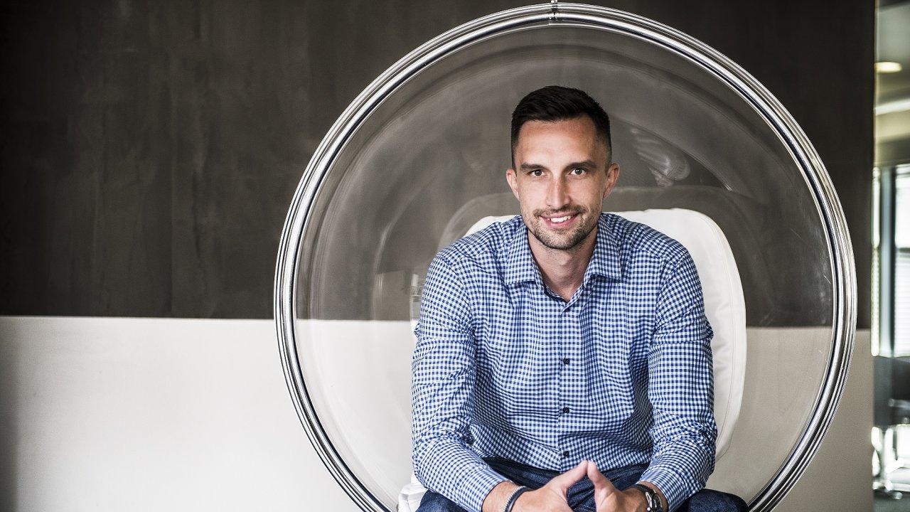 Hlavní tváří nové skupiny V-Sharp je Michal Menšík, který před 10 lety založil e-commerce akcelerátor Inveo.