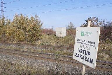 Aktivisté protestovali  proti těžbě uhlí na velkorypadle v lomu ve Vršanech na Mostecku.