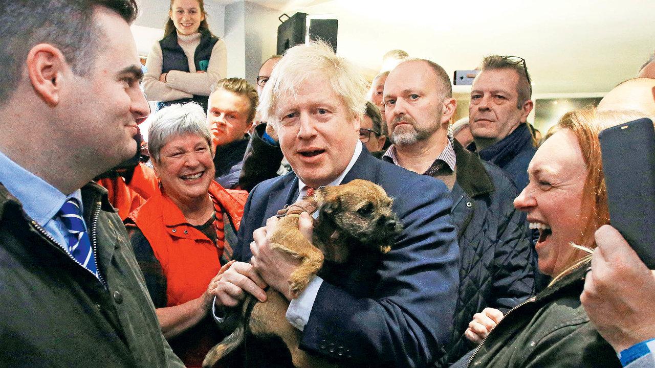 Boris Johnson ajeho Konzervativní strana vpředčasných volbách drtivě porazili labouristy.Tizaznamenali nejhorší výsledek od30. let minulého století.