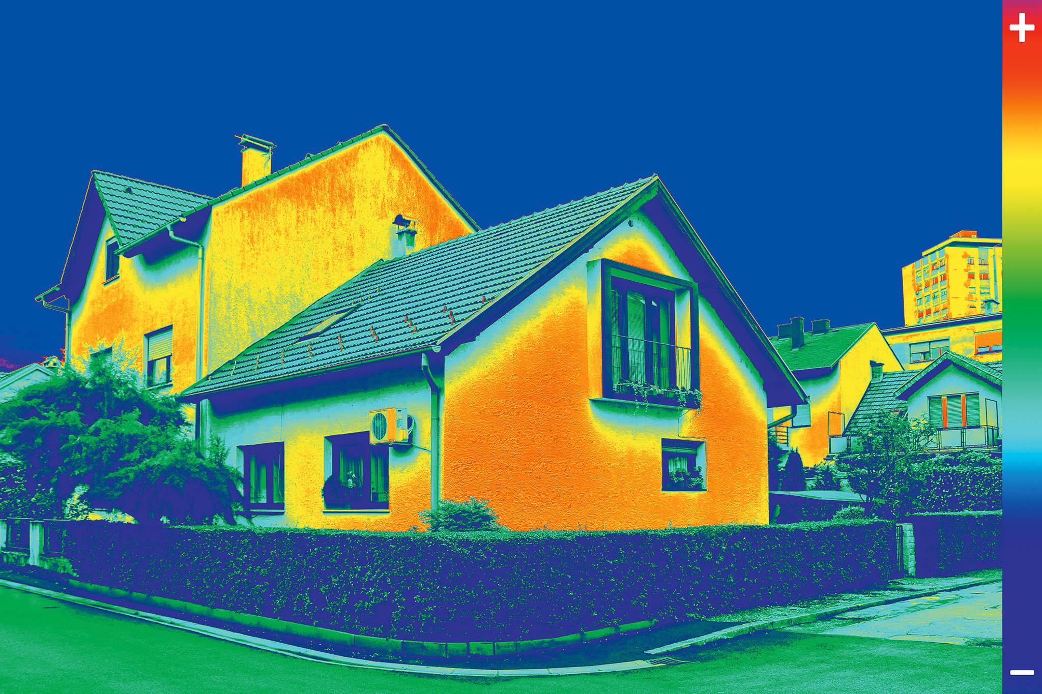 Za pomoci termokamery lze odhalit místa úniku tepla.
