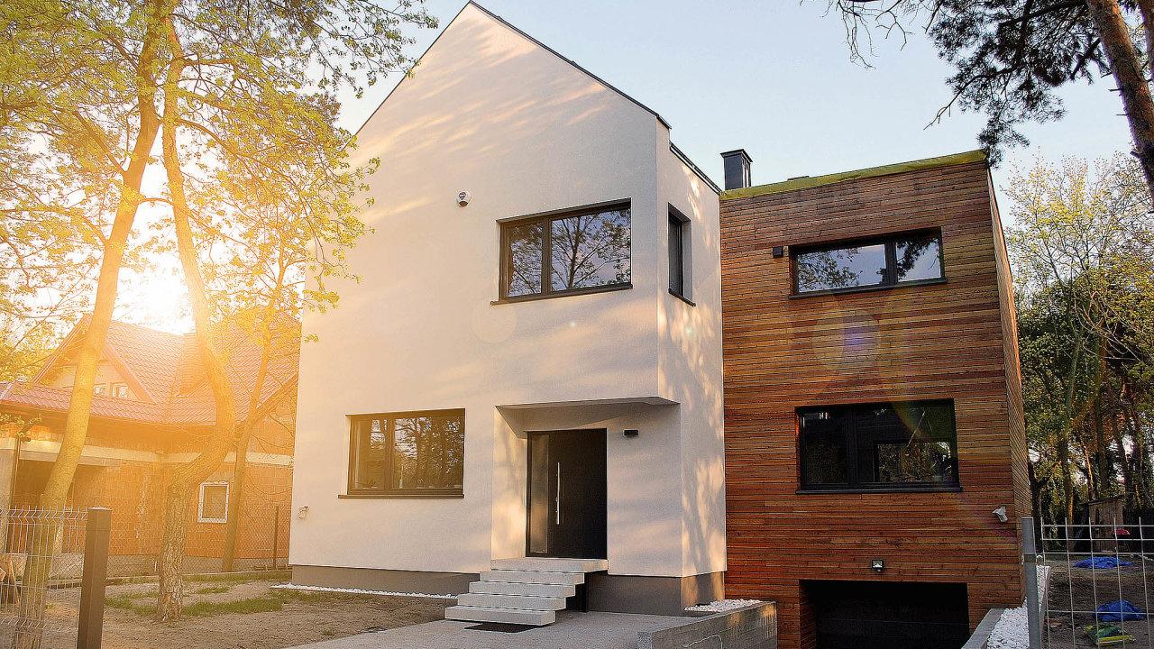 Rošt, který drží dřevěný obklad, musí být vytvořený takovým způsobem, aby mohl za fasádou proudit vzduch.