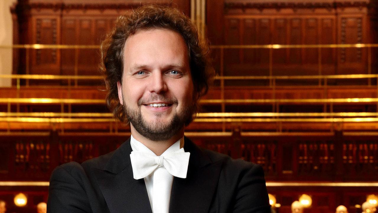 Dirigent Symfonického orchestru FOK Tomáš Brauner