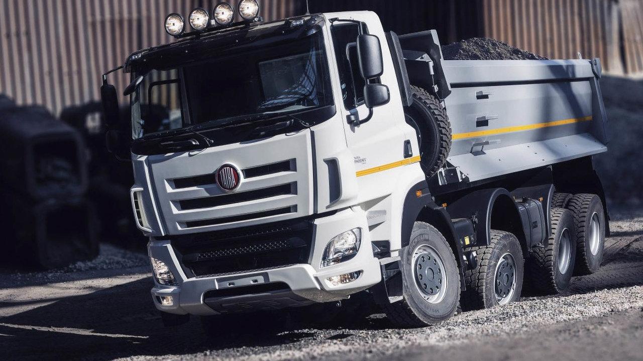 Část nákladních vozů Tatra Phoenix používá díly od firmy DAF. TA ale přerušila výrobu. Proto Tatra musela upravit výrobní program.