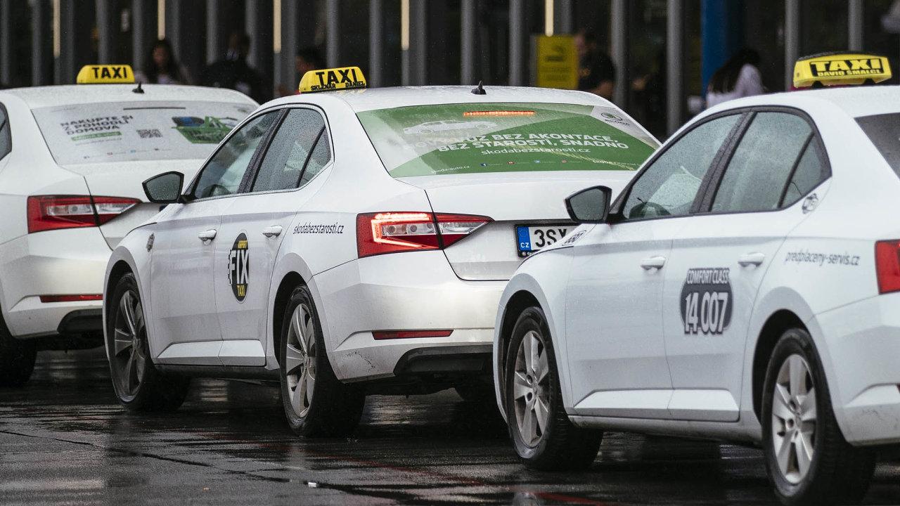 Protestovat proti situaci při koronavirové krizi se v lednu chystali provozovatelé taxislužeb. Shromáždit se chtěli před domem předsedy vlády Andreje Babiše.
