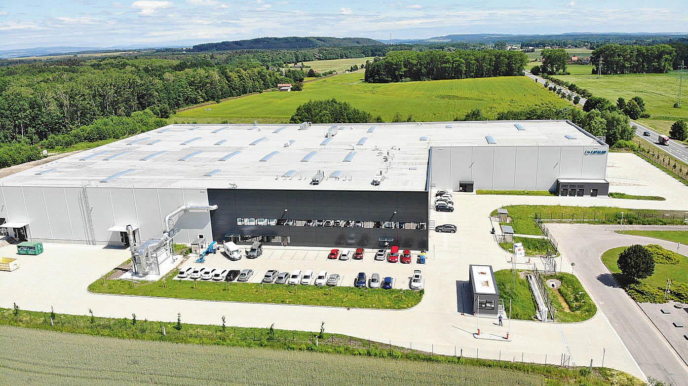 Demaco v současnosti staví v Pardubicích a ve východních Čechách má připravené pozemky i v Kvasinách a v Týništi nad Orlicí (na snímku). Chystá také výstavbu hal v Kolíně a Plzni, je schopno nabízet průmyslové prostory i v Moravskoslezském a Zlínském kraji.