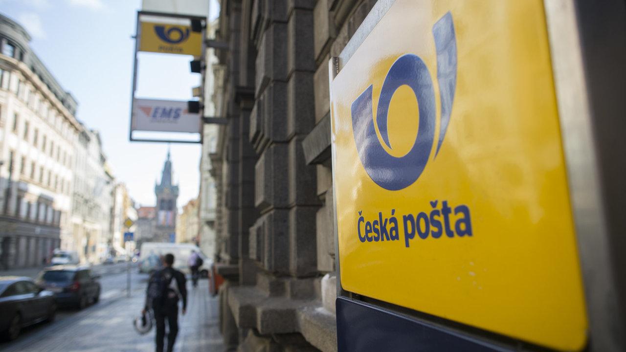 Boxy bude provozovat vysoutěžená zásilková firma, k dispozici budou ve 144 železničních stanicích.  Se 135 místy se počítá i na pobočkách České pošty (ilustrační snímek).