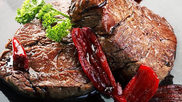 Už jeden větší steak týdně znamená pro lidské zdraví riziko, míní harvardští vědci.