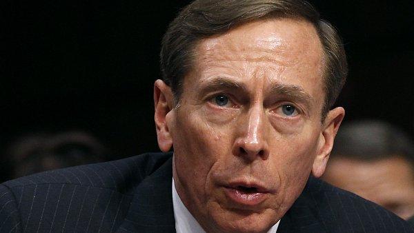 Petraeus udělal chybu, ale už byl potrestán dost a dost.