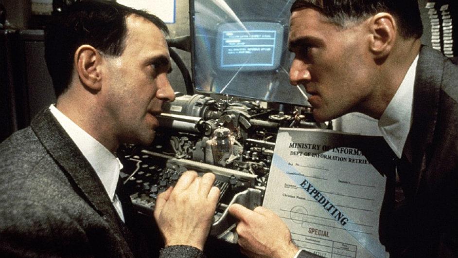 Orwellův román 1984 inspiroval i Terryho Gilliama při tvorbě filmu Brazil