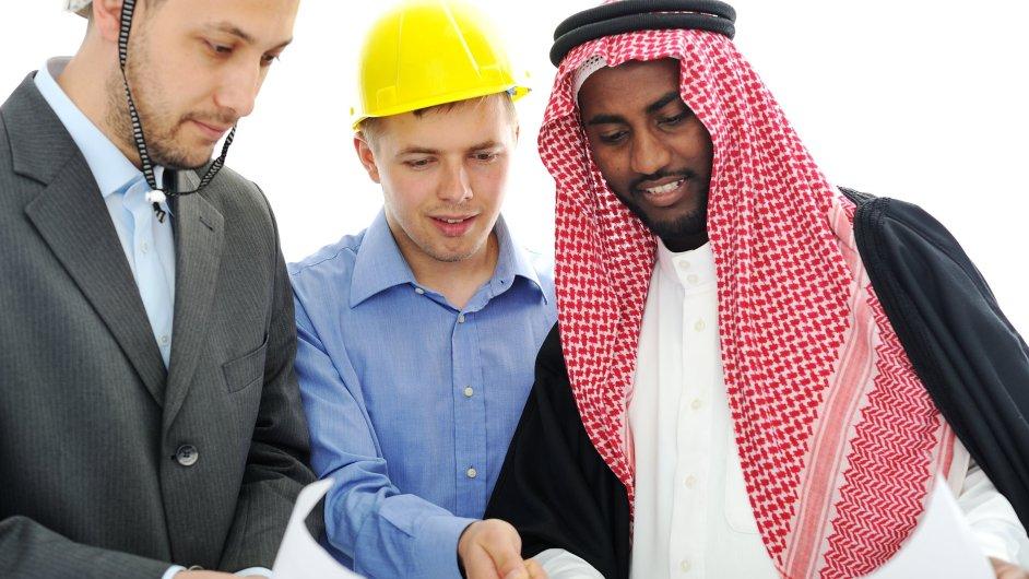 Multikulturní pracovníci. Ilustrační foto