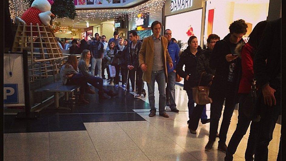 Porucha systému elektronických plateb způsobila fronty v nákupních střediscích po celé Belgii