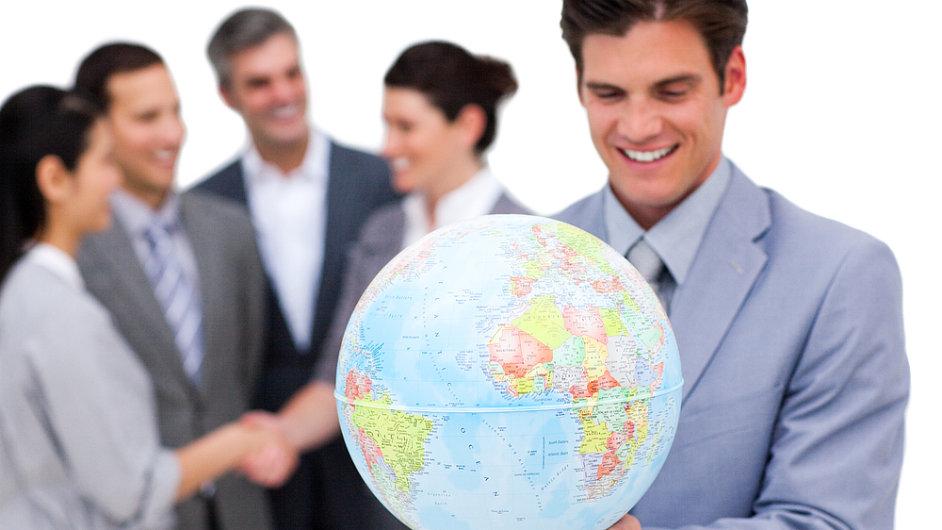 Expanze firem na zahraniční trhy.