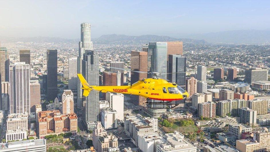 DHL Express zavedlo doručování vrtulníkem po New Yorku i v Los Angeles