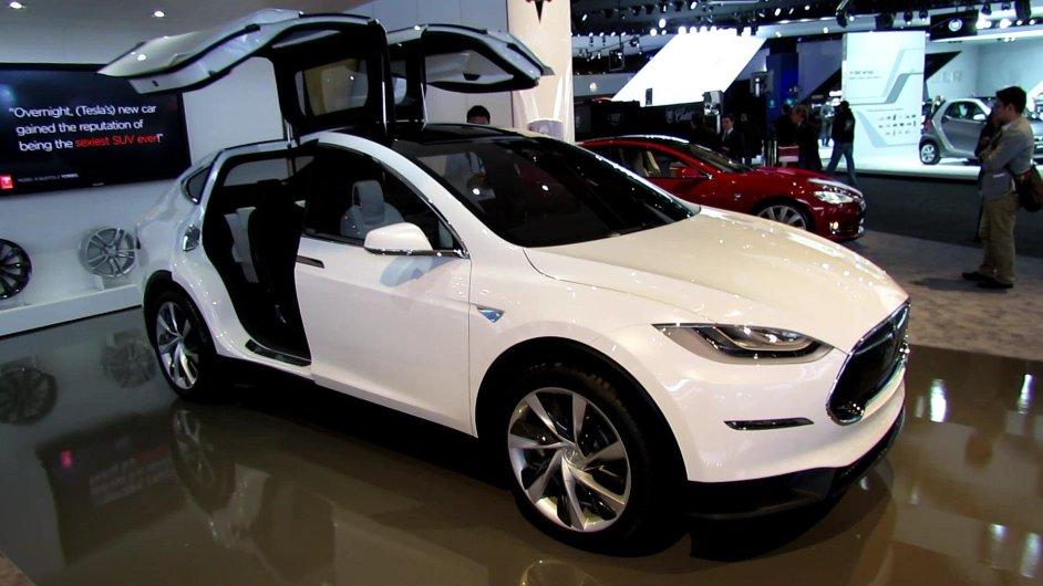 Budoucnost Tesly, Model X, tak jak byl představen na loňském detroitském autosalonu.
