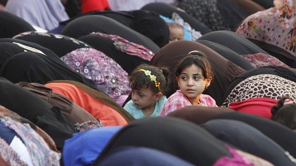 Muslimové, ilustrační foto