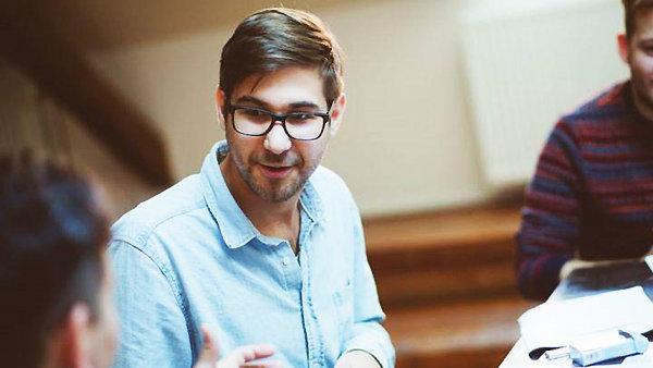 Ivan Buraj v pražském Divadle Letí minulý měsíc režíroval hru Sestup a vzestup pana B.