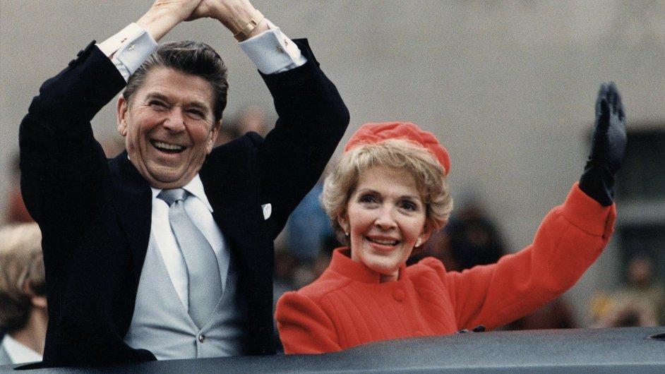 Ronald Reagan a jeho žena Nancy v roce 1981