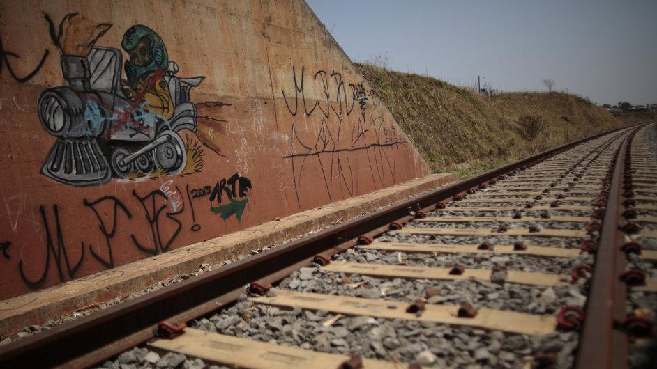 Správa železniční dopravní cesty rozdělila v posledních čtyřech letech téměř polovinu ze všech zakázek mezi sedm firem, zjistil NKÚ (ilustrační foto)..