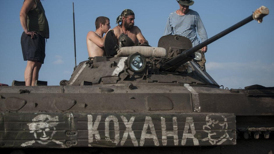 Fronta ve vsi Krymske na východě Ukrajiny (ilustr. foto)