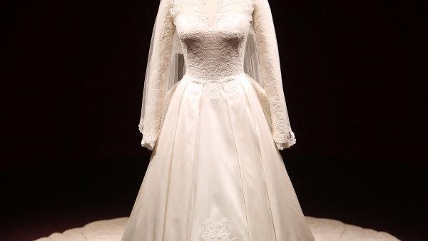 Dort ve tvaru šatů váží asi 90 kilogramů - Ilustrační foto.