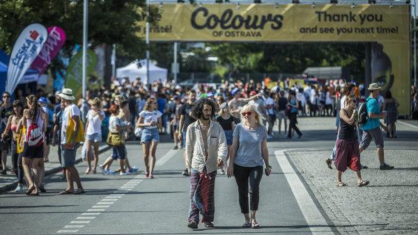 Colours of Ostrava nav�t�vil v roce 2015 rekordn� po�et lid�.