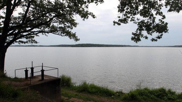 Rožmberk na Třeboňsku je největší český rybník. Díky novému programu ministerstva zemědělství by rybníků v krajině mělo přibývat.