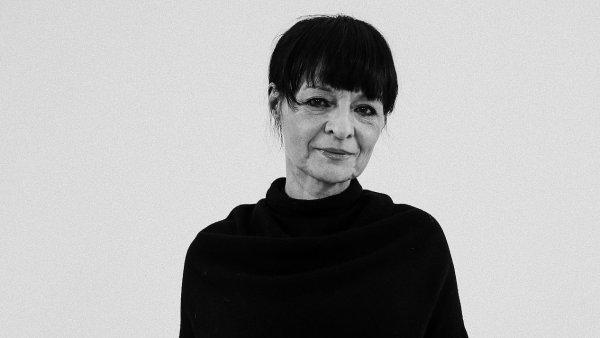 Lib�na Rochov�, v�t�zka v kategori�ch M�dn� design�r roku a Grand design�r roku