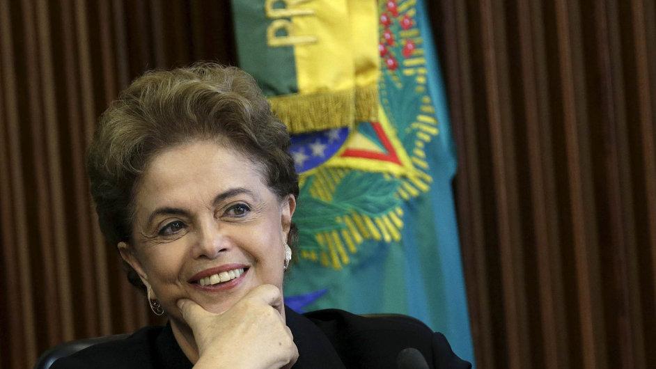 Brazilská prezidentka Dilma Rousseffová má problémy.
