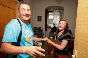 And�l trose�n�k�: Franti�k�nsk� kn�z �ebesti�n ubytov�v� v kl�te�e lidi v nouzi