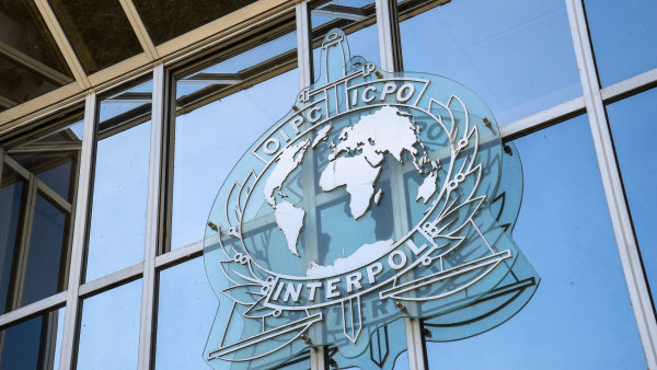 Interpol prý vydal zatykač na čínského miliardáře.