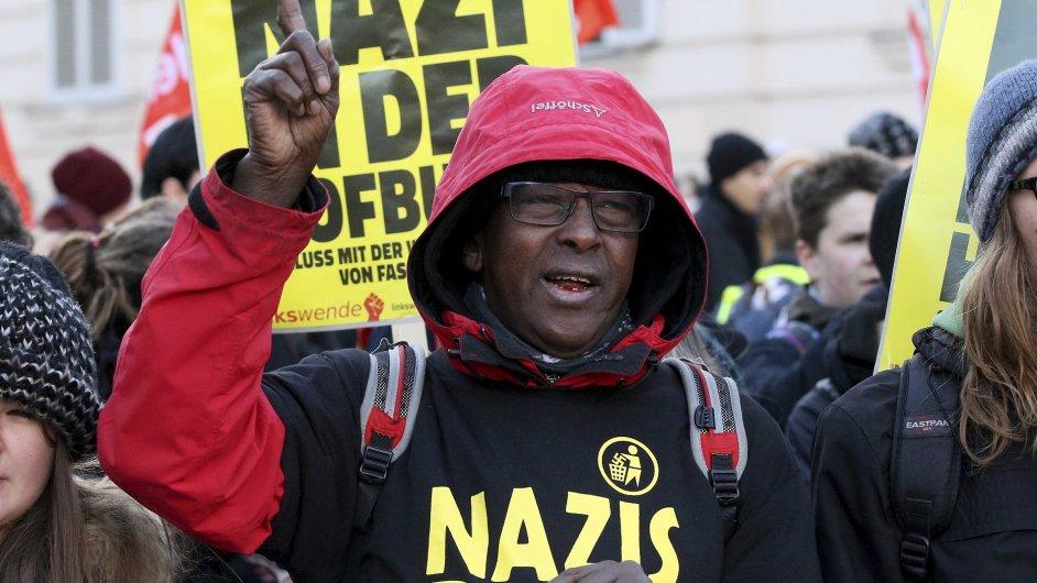 Vídní prošel pochod proti prezidentskému kandidátovi Hoferovi.