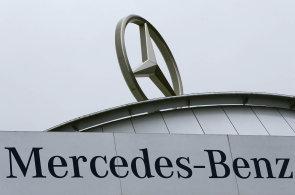 Mercedes hledá místo pro obří sklad a Česko je ve hře. Má být ještě větší, než postavil Amazon