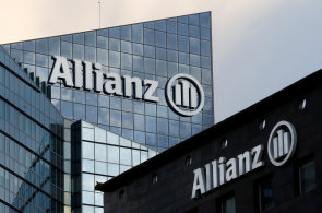 Zisk pojišťovny Allianz se loni snížil na 6,8 miliardy eur.