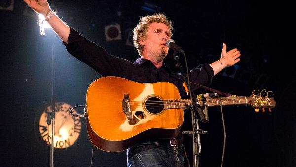 Glen Hansard je na snímku z loňského červnového festivalu Down The Rabbit Hole v Nizozemsku.