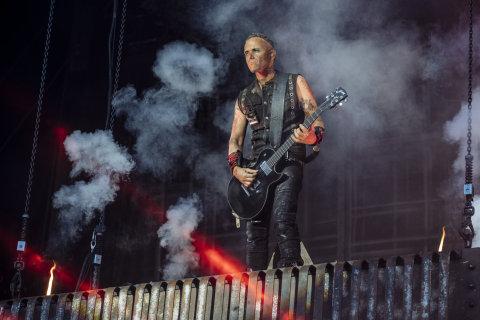 Snímek z nedělního koncertu Rammstein.